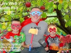 2015 DRMC Health Fair Fun Family Photos by yellowpix.com green screen photobooth