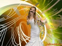 Bride_ in_yellowpix,com_photobooth