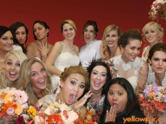 Crazey_Brides_in_photo_booth