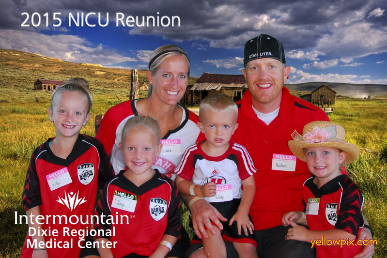 2015 NICU Reunion Team Photo in the Photobooth by yellowpix.com